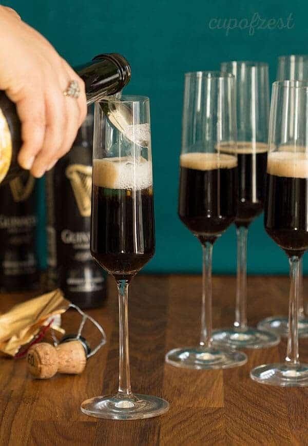 Black Velvet-Champagne Pour